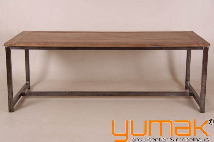 Teak tisch for Tisch mit metallgestell